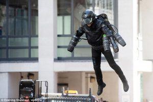 Летающий реактивный костюм продается в лондонском универмаге за $440 тысяч