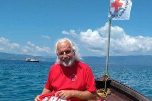 Болгарский пловец переплыл Охридское озеро в мешке, со связанными руками (видео)
