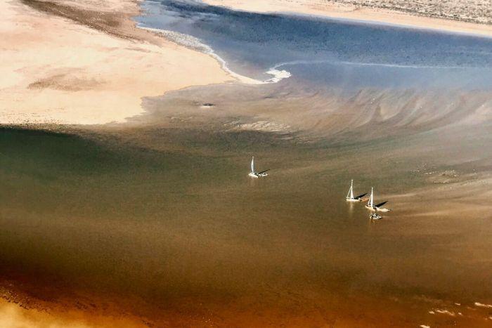 Радужное озеро в Австралии появляется раз в 50 лет.Вокруг Света. Украина