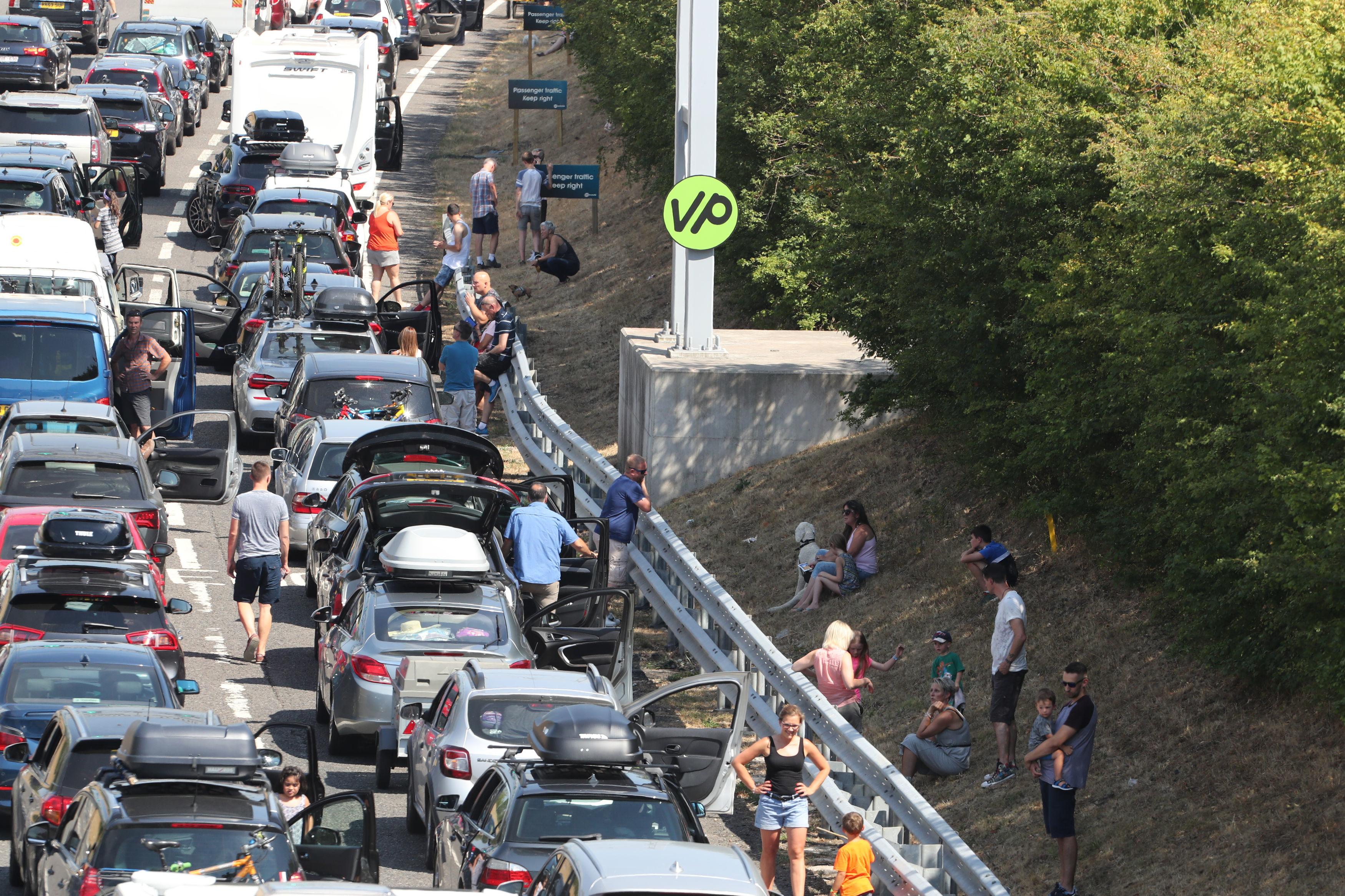 Жара в Европе: в туннеле под Ла-Маншем отменяют поезда