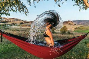 2 в 1: американец изобрел ванну-гамак