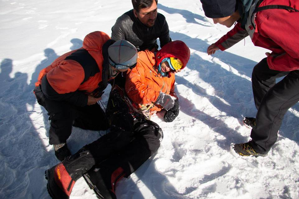 В Пакистане спасли  альпиниста после недели снежного плена