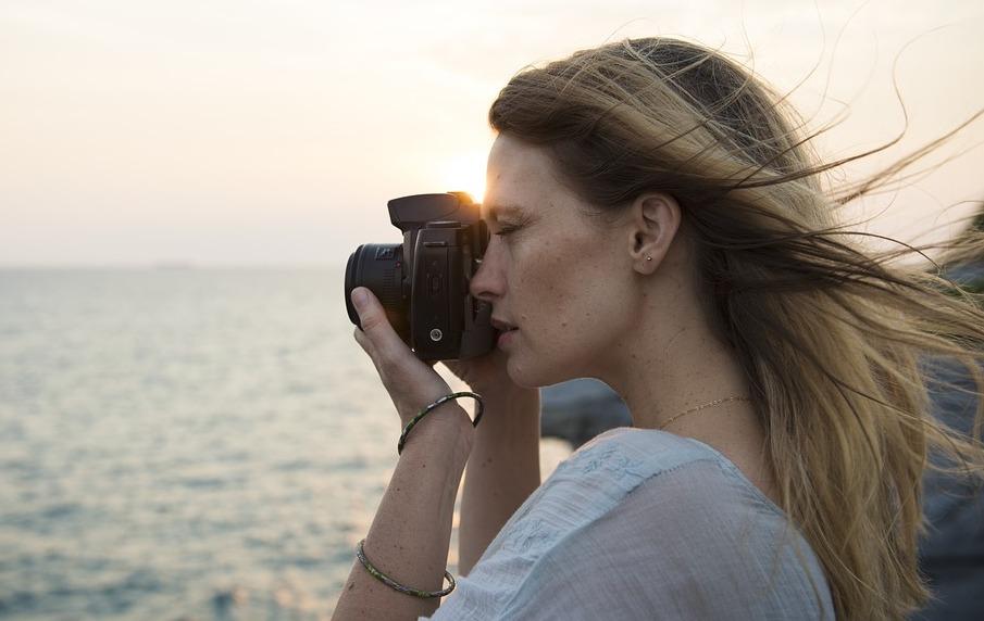 путешествуют одни 60% людей, состоящих в отношениях, путешествуют одни calm 2910696 960 720