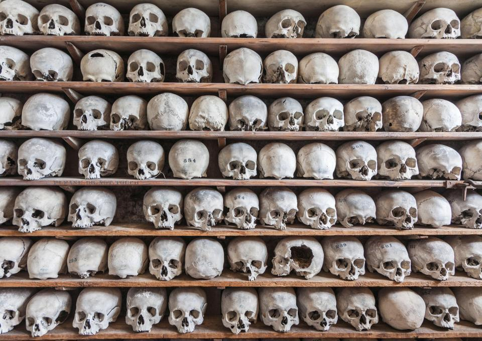 Из склепа британской церкви похищена коллекция черепов.Вокруг Света. Украина