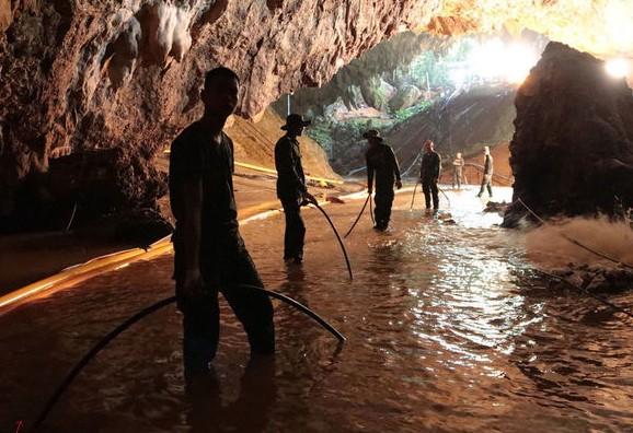 В Таиланде пещеру, где застряли дети, сделают туристическим объектом.Вокруг Света. Украина