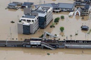 Жертвами наводнения в Японии стали почти 200 человек