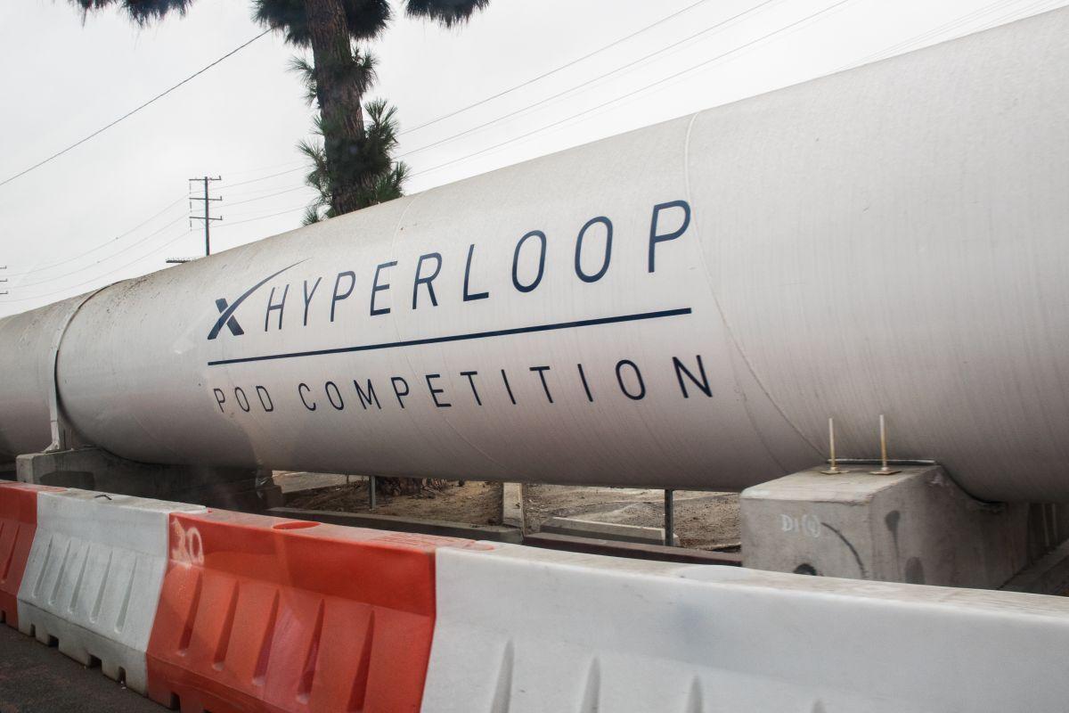 Капсула Hyperloop разогналась до рекордной скорости