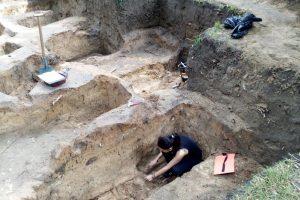 В Чернигове нашли древнее семиярусное кладбище