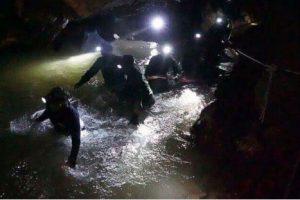 В Таиланде школьники 9 дней провели в затопленной пещере