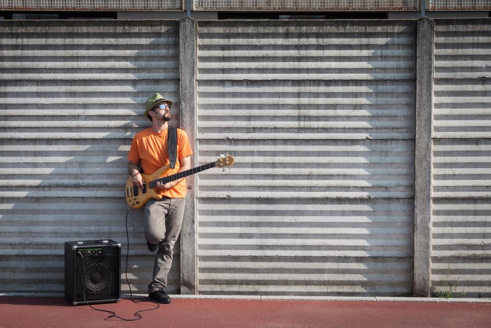 В Бельгии уличным музыкантам запретили использовать колонки