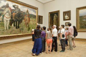 В Третьяковской галерее стало опасно даже шептаться