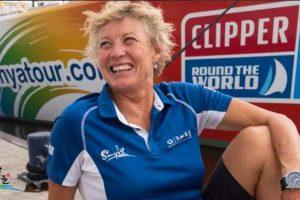 Впервые в истории женщина выиграла кругосветные гонки на яхте