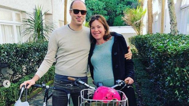 Министр Новой Зеландии уехала в роддом на велосипеде