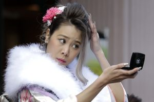 Кукольный макияж и закрытая одежда: каноны японской красоты