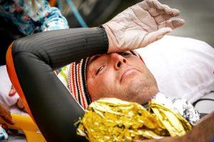 Голландец проплыл 163 км за 55 часов: что случилось с его кожей