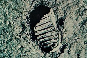 NASA опубликовало аудиозаписи высадки на Луну