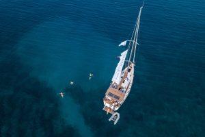 Отпуск под парусами: как начать путешествовать на яхте?