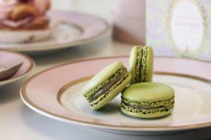 Легендарная французская кондитерская выпустила пирожные с коноплей