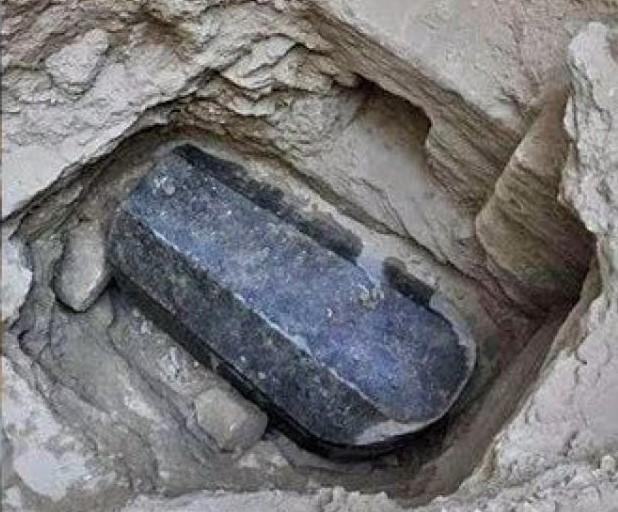 Археологи выяснили, кто был похоронен в загадочном каменном саркофаге.Вокруг Света. Украина