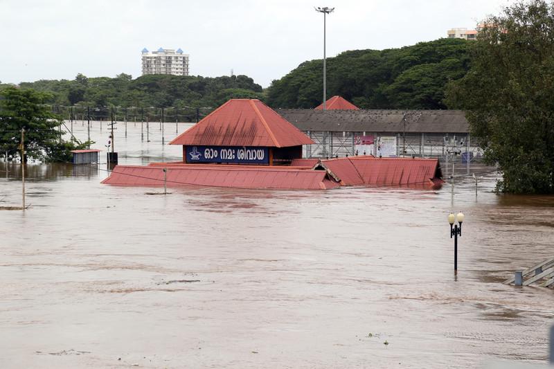 Наводнение в Керале: 324 погибших,  транспортная система в коллапсе.Вокруг Света. Украина