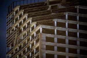 После землетрясения в Венесуэле наклонился 200-метровый небоскреб