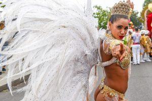 Карнавал в Ноттинг-Хилле: дождь, танцы, наркотики и оружие (фото)