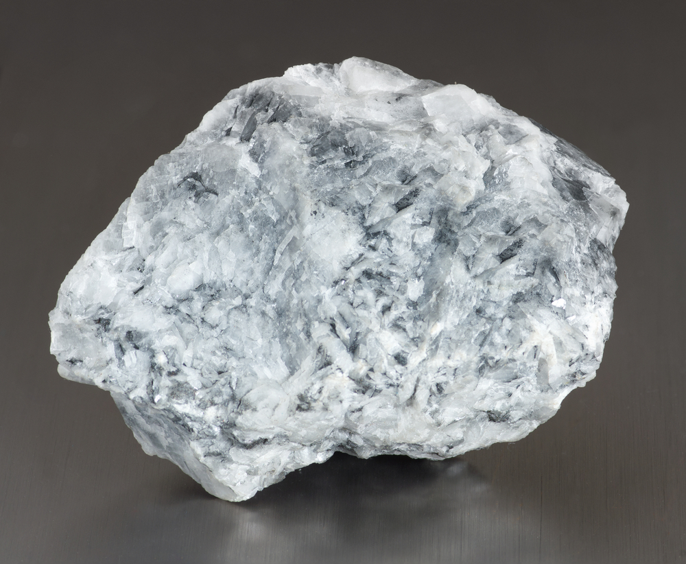 Ученые создали минерал, который очищает воздух от CO2