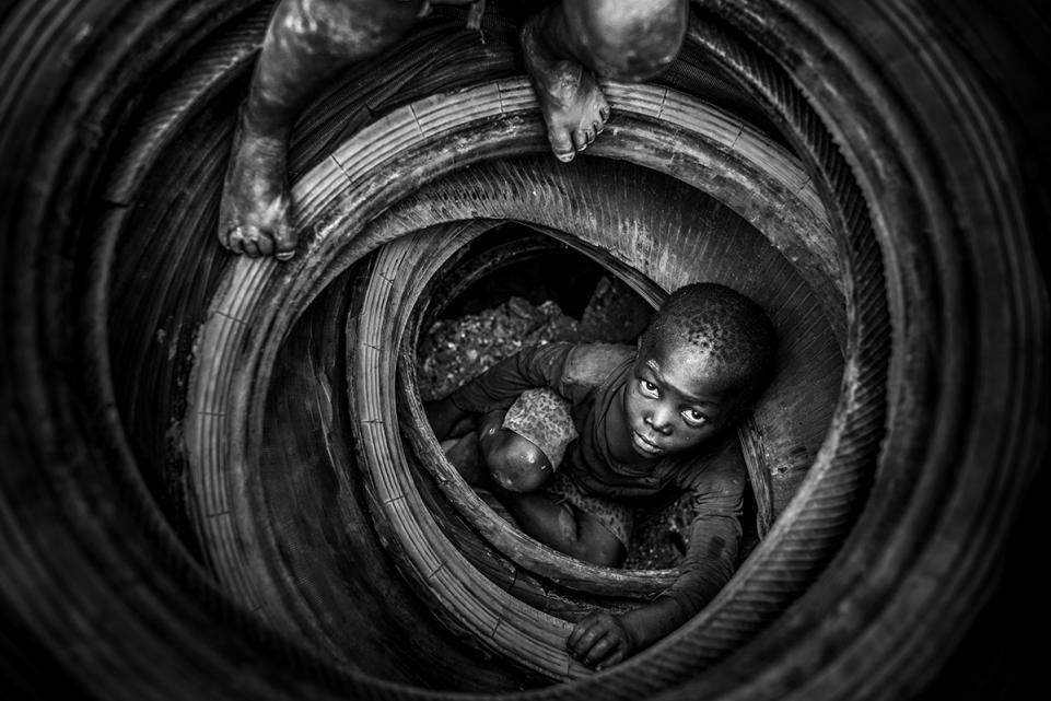Наша хрупкая планета: победители конкурса экологического фото 2018 Наша хрупкая планета: победители конкурса экологического фото 2018 02 antonio aragon renuncio boulmigou paradise forgotten hearts