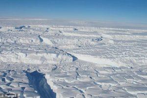 Таяние ледников в Антарктиде ученые остановят гигантскими стенами