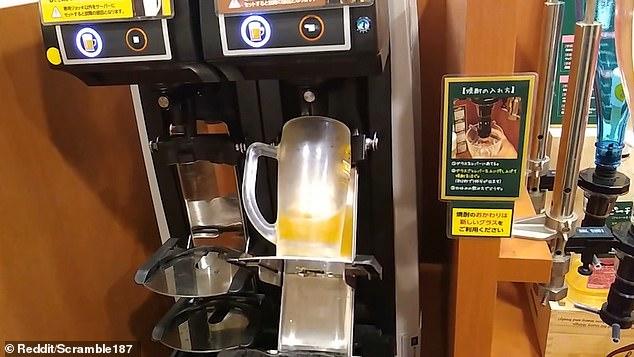 И никаких чаевых: в Японии робот-бармен наливает идеальную пинту пива