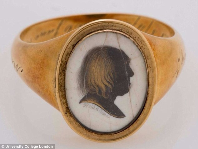 В Лондоне ищут траурные кольца эксцентричного английского философа XVIII века.Вокруг Света. Украина