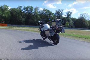 BMW показал беспилотный мотоцикл (видео)