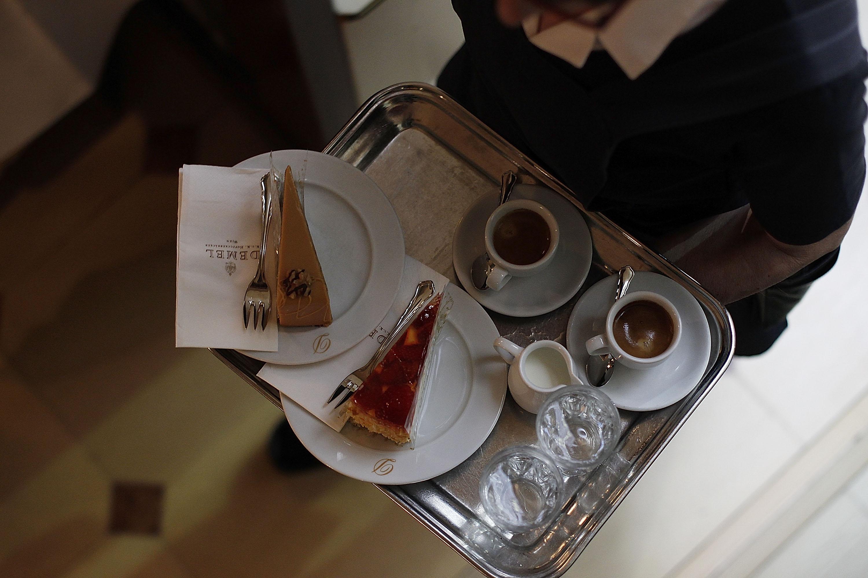 Венский, турецкий, американо: как готовят и пьют кофе в разных странах мира Венский, турецкий, американо: как готовят и пьют кофе в разных странах мира GettyImages 143622145