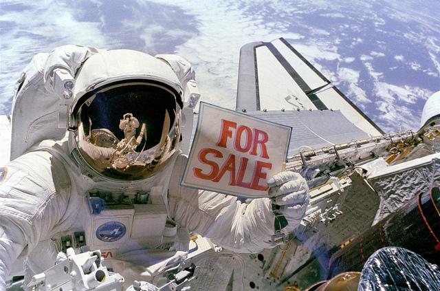 Астронавтам NASA разрешат сниматься в рекламе