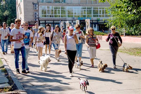 В Краматорске прошел парад собак в честь юбилея города