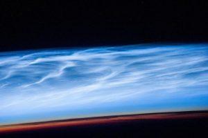 NASA запечатлело редкие серебристые облака