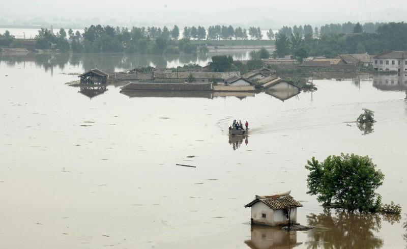 Наводнение в Северной Корее унесло жизни 80 человек