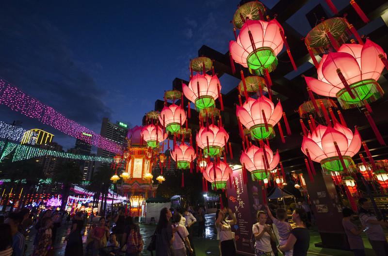 В Китае и Вьетнаме празднуют Фестиваль середины осени