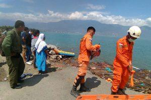 В Индонезии произошло мощное землетрясение и цунами