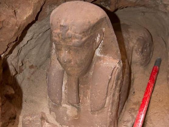 В Египте нашли потерянную 2 тысячи лет назад статую сфинкса