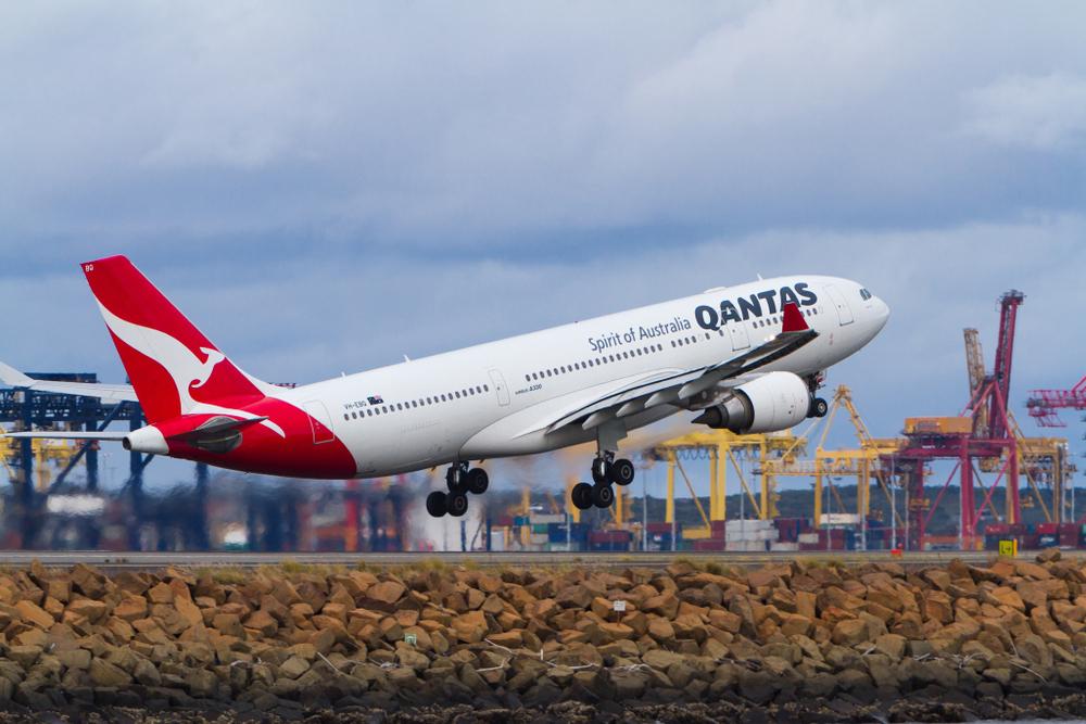 В самолетах австралийской компании появятся спортзал, кровати и бар
