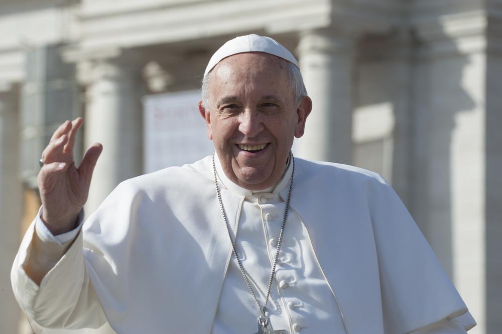 Папа Римский призвал очистить океан от пластика