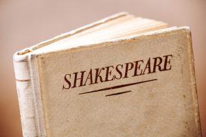 В Иране арестовали режиссера за постановку Шекспира