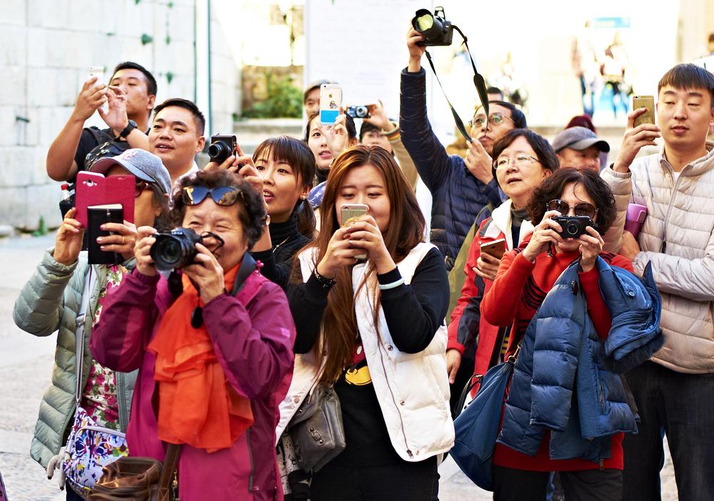 День туризма: 5 интересных фактов о путешествиях и их последствиях День туризма: 5 интересных фактов о путешествиях и их последствиях shutterstock 439358200