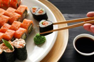 В Германии триатлету запретили вход ресторан после сотой порции суши