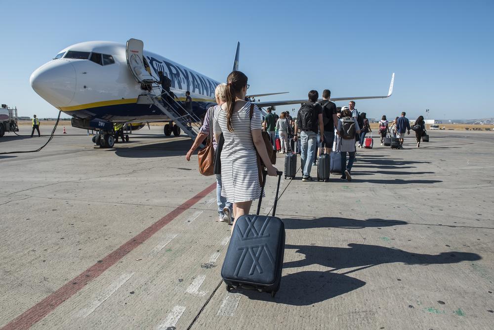 Пассажирам Ryanair придется идти к своим самолетам пешком