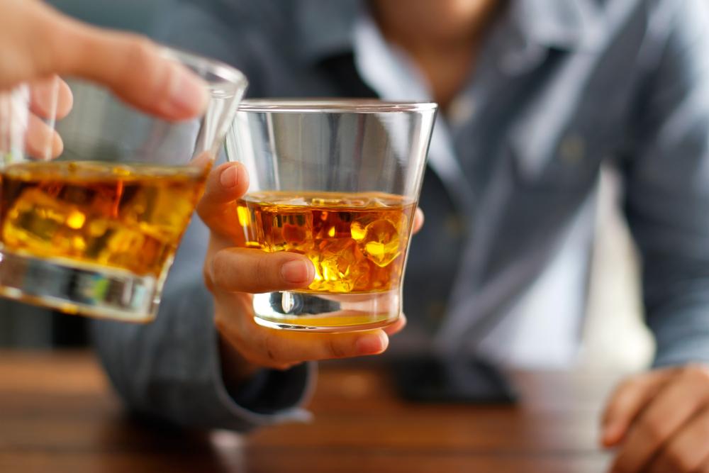 Больше, чем от СПИДа и ДТП: ВОЗ подсчитала количество смертей от алкоголя