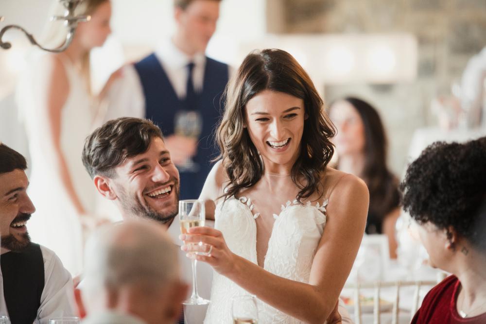 В Венеции невест могут обязать платить за глубокое декольте