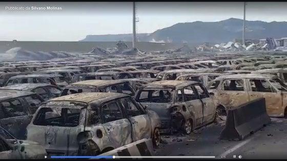Непогода в Италии: сгорели сотни автомобилей.Вокруг Света. Украина