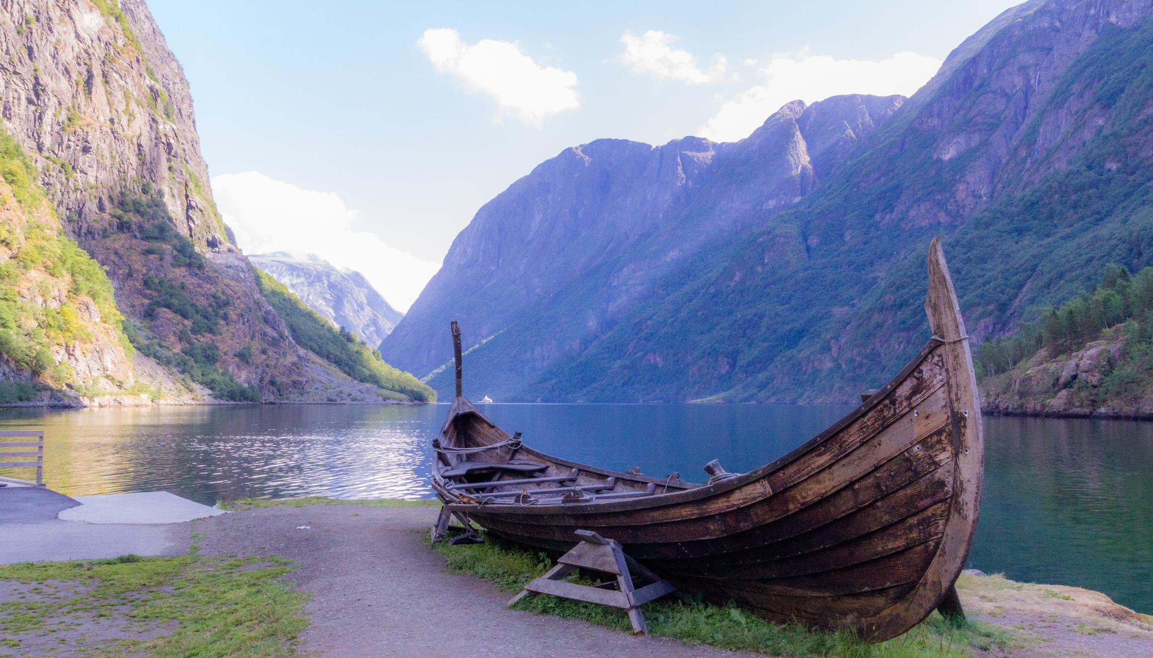 В Норвегии нашли корабль викингов, зарытый на кладбище